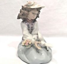 """Generous Gesture"" lladro 6399 / Girl kneeling down with dove: Free Shipping"