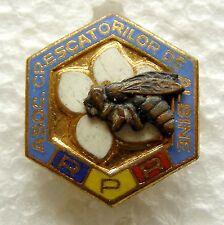 f859 Romania 1950's Beekeepers Association Apimondia – bee honey enameled pin