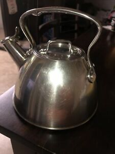 All-Clad Stainless Steel 2 qt. Whistling Induction Compatible Tea Kettle EUC