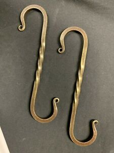 "Wrought Iron 1//4/"" sq Twisted 7 7//8 in. made by Blacksmiths USA S-Hook Hanger"