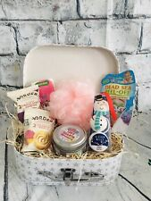 Beauty Coconut Bath & Body Pamper Hamper Suitcase Girls Ladies Birthday Gift Set