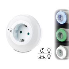revolt LED-Nachtlicht mit Dämmerungssensor und Steckdose, 3 Farben
