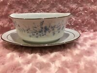 Contemporary Fine China By Noritake Carolyn Gravy Boat W/attached Underplate