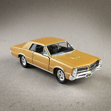 1965 Pontiac GTO Metallic Gold Die-Cast 1:38 Model Car Open Doors Pull Back 12cm