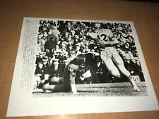 Roger Staubach Navy vs. Notre Dame 1963 College Football 8x10 AP Wire Photo
