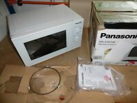 Panasonic NN-E 201 W Solo Mikrowelle 20L mit Easy-clean, 800 Watt, Microwave