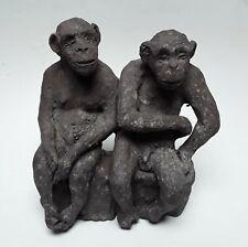 2 Affen, Tonplastik von Jörg Immendorf