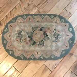 """Vintage Green Blush Cream Floral Hooked Oval Throw Rug 33.5"""" X 21.5"""" Shabby Chic"""