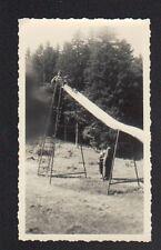 Photo Amateur / JEUX D'ENFANT , TOBOGGAN animé Période 1950