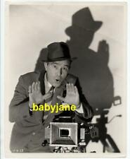 ROBERT ARMSTRONG ORIGINAL 8X10 PHOTO AS NEWS CAMERAMAN 1933 ABOVE THE CLOUDS