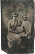 CIVIL WAR ERA TINTYPE PHOTOGRAPH FABULOUS PORTRAIT OF MOTHER WITH CHILDREN
