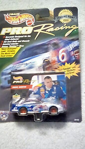 HOT WHEELS PRO RACING TRADING PAINT 1998 MARK MARTIN VALVOLINE #6 FORD TAURUS