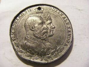 A 1902 Edward VII Coronation Medal ok condition little bashed, 39mm