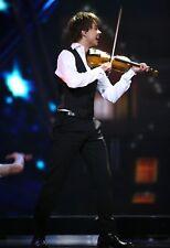 Alexander Rybak UNSIGNED photo - L7007 - Belarusian-Norwegian singer-composer