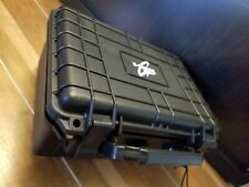 G shock display travel case. Holds 6 watches and is dust/water resistant.
