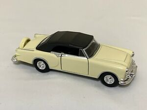 Welly 1953 Packard Caribbean 1:36 Scale Model Toy Car new without box