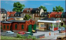 Auhagen 12227 Service Station With Mechanic's Workshop Modelling Kit