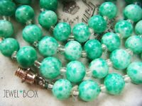 ART DECO CZECH BOHEMIAN PEKING JADE ART Speckle GLASS BEADS Vintage NECKLACE