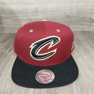 Mitchell & Ness Cleveland Cavaliers Cavs NBA Snap Gold Adjustable Hat Cap NEW