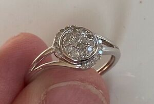 BEAUTIFUL GENUINE DIAMOND RING STERLING SILVER SETTING