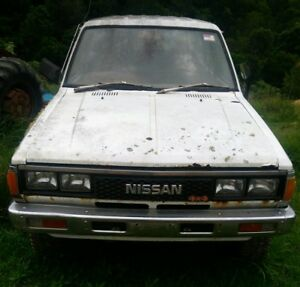 Wrecking only Nissan 720 Sd25 Diesel 4WD Twin cab