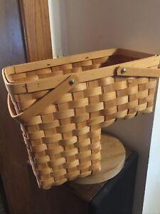 Medium STAIR/STEP BASKET w/Handle Sturdy Well-Made