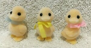 RARE Vintage Epoch Calico Critters Sylvania Family Ducklings Baby Ducks Set Of 3