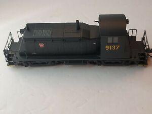 Walthers Mainline EMD SW-1 Pennsylvania #9137 Locomotive  DCC Brunswick Green