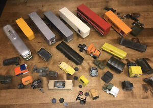 HO Scale Train Hobbyist Junkyard Lot For Parts & Repair - Truck Trailers - Cabs