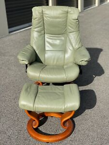 "Ekornes Stressless Leather Reclining Chair Large Sized ""Mayfair"" Model"