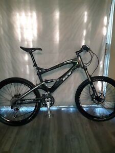 GT Force XL Carbon Fiber Expert Mountain bike