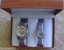 Pareja de relojes marca Geneva, nuevos, en su caja original de madera
