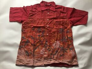 Men's GENUINE Vintage Quiksilver Surf Short Sleeved Shirt Top SIZE Small Vgc