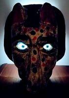 Masque surréaliste en bois sculpté et yeux de verre 20x20 cm