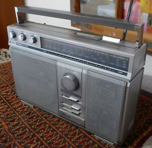 Koffer-Radio Philips D 2813 / 02 Power Booster, 3 Lautsprecher, toller Klang