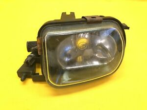 2003 - 2007 MERCEDES BENZ C280 OEM RIGHT FRONT SIDE FOG LIGHT LAMP ASSEMBLY