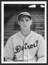 TIGERS LEGEND BIG HANK GREENBERG HOMERS IN THIS GREAT ACTION  8X10