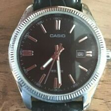 GRANDE MONTRE CASIO homme quartz dateur, fonctionne , bon