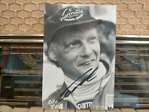 Niki Lauda Signed Photo 10x15 CM F1 Ferrari Formula1 Grand Prix Legend Autograph