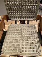 Vintage Magic Maid Automatic Waffle Baker Maker and Pancake Grill Iron.