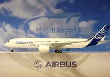 Hogan Wings 1:200 Airbus A350-900 Airbus House Colour AS03 + Herpa Wings Katalog