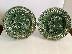 """2 Vintage HOSLEY POTTERY Decorative Plates Green Raised Grapevines Reticulate 8"""""""