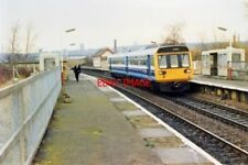 PHOTO  1988 HOLLINWOOD RAILWAY STATION 1988 STOPPING TRAIN TO MANCHESTER IN FRON