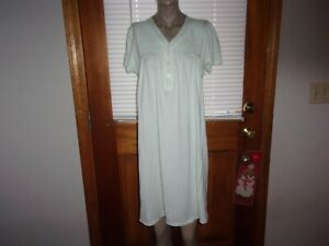 MISS ELAINE NIGHTGOWN~SZ LG. ~ EMBROIDERY~LACE ~COTTON~POLY