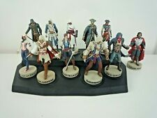 ASSASSINS CREED COLLECTION 11 FIGURES WITH DISPLAY STAND / HATCHETTE / UBISOFT
