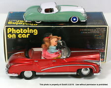 LOT 2 VINTAGE PHOTOING ON CAR TIN TOY ME630 + LUCKY TOYS Friction CAR