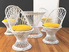 Mid Century Russell Woodard Childrens/Salesman Sample Fiberglass Table&4 Chairs