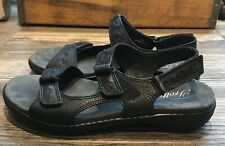 Women's Trotters Katarina Black Leather Adjustable Comfort Sandals 7M