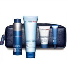 Pack Clarins Man Bolsa de Natal Super Hidratante 50ml + Shampoo & Duche 200ml +