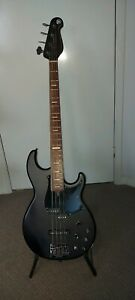 Bass guitar Yamaha BB734